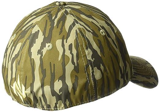 e1fa2c085da69b Amazon.com: Nomad Men's Camo Stretch Cap: Clothing