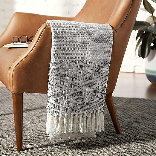 Amazon Com Amazon Brand Rivet Modern Diamond Pattern Fringe Throw Blanket 80 X 60 Inch White Home Kitchen