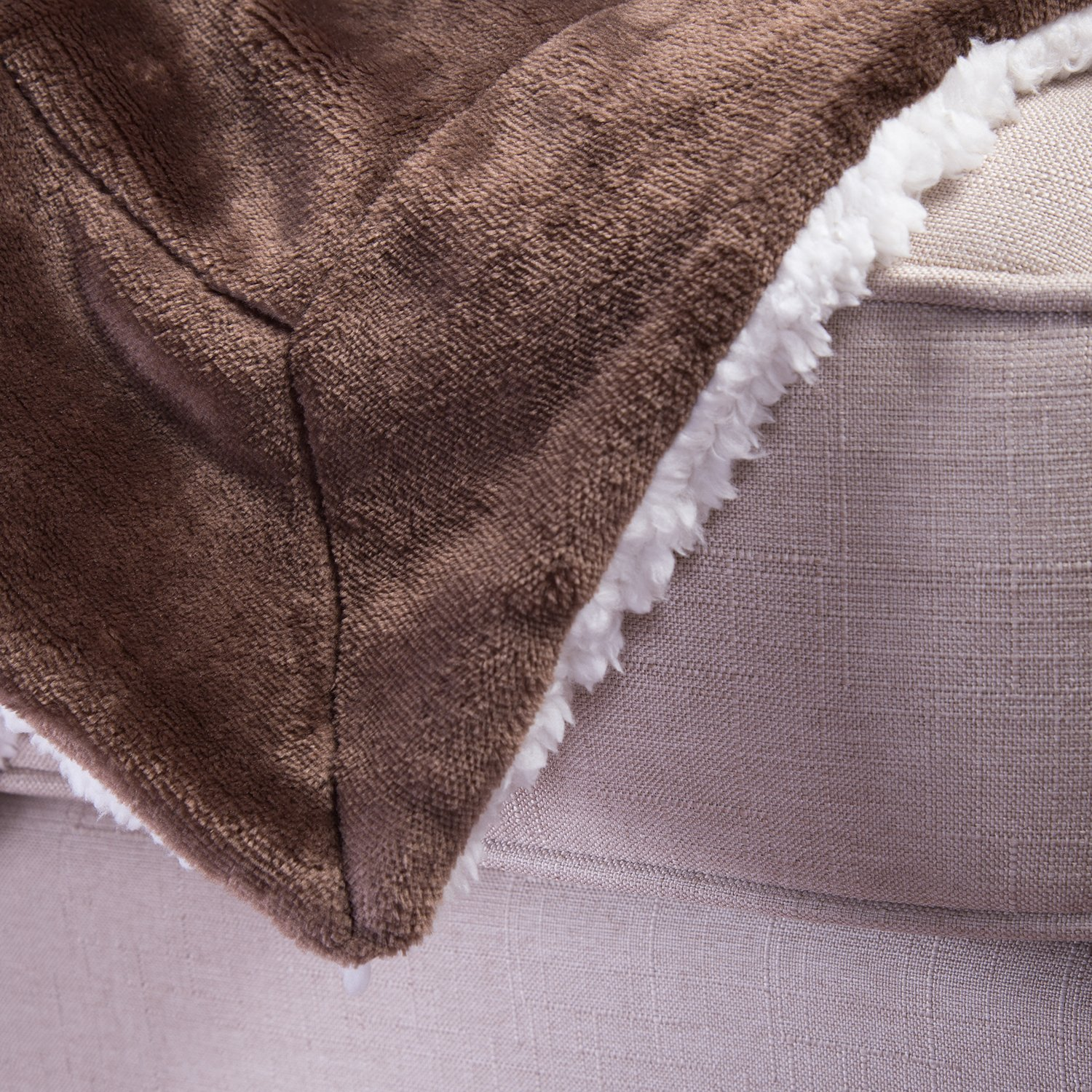 Sherpa Throw Blanket Brown 50x60 Reversible Fuzzy Microfiber All Season Blanket for Bed or Couch by Bedsure