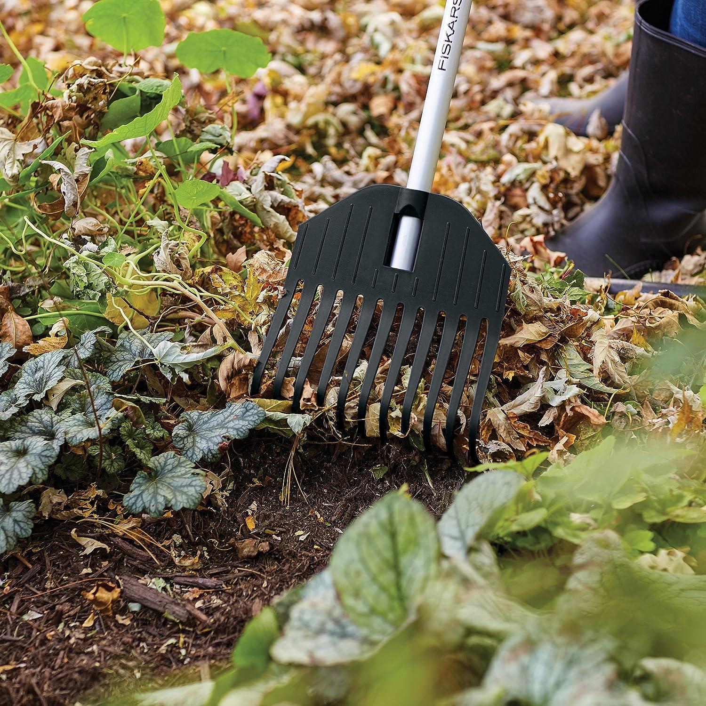 Fiskars leaf rake