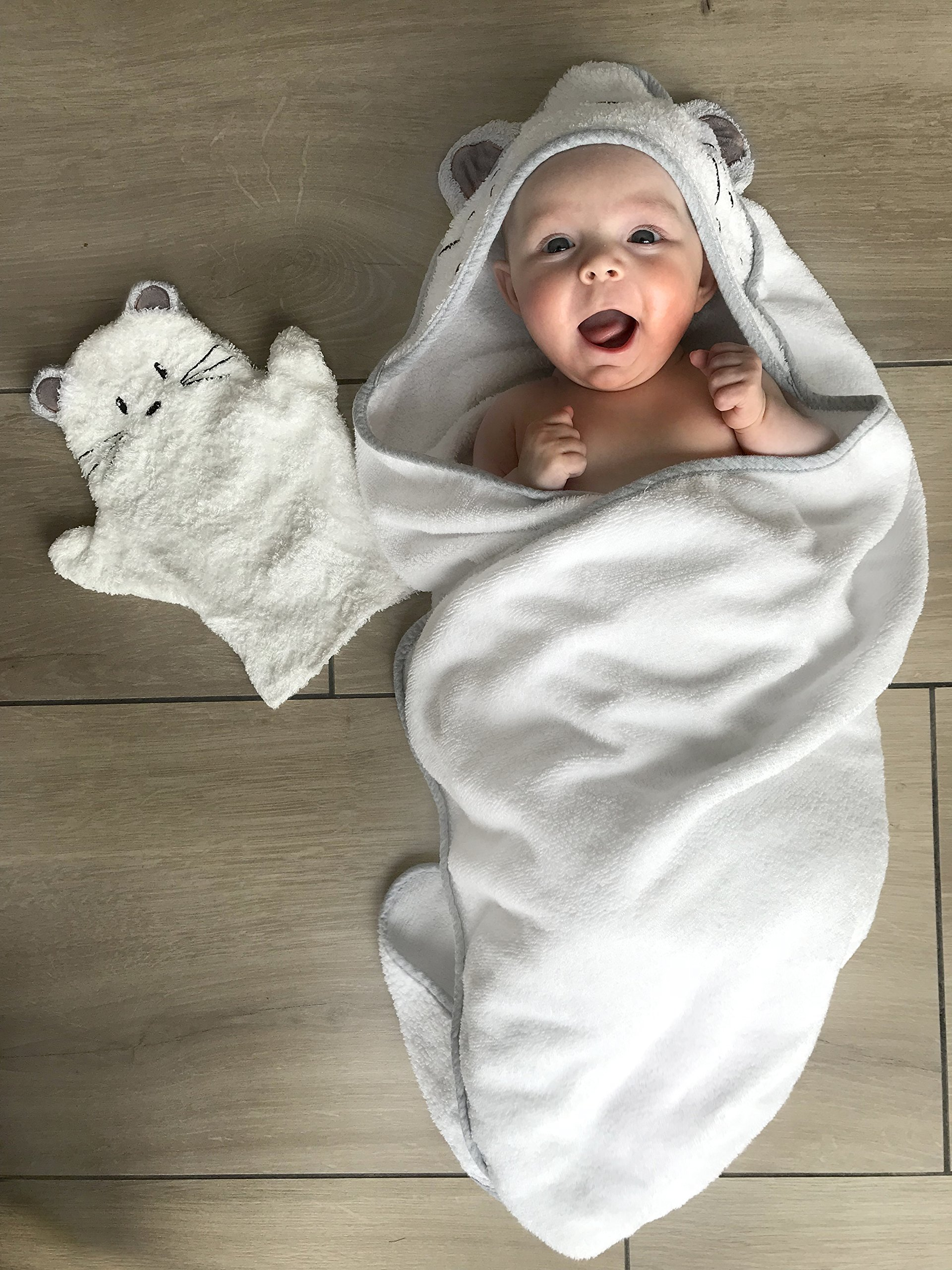 Baby Hooded Towel Gift Set | Organic Bamboo Extra Large 90cm x 90cm Mouse and Matching Mitten | Ultra Soft and Thick (500gsm) | Certified Organic - Best for Newborn Sensitive Skin, Eczema |For Newborn to Toddlers to Kids of 5 Years | Perfec