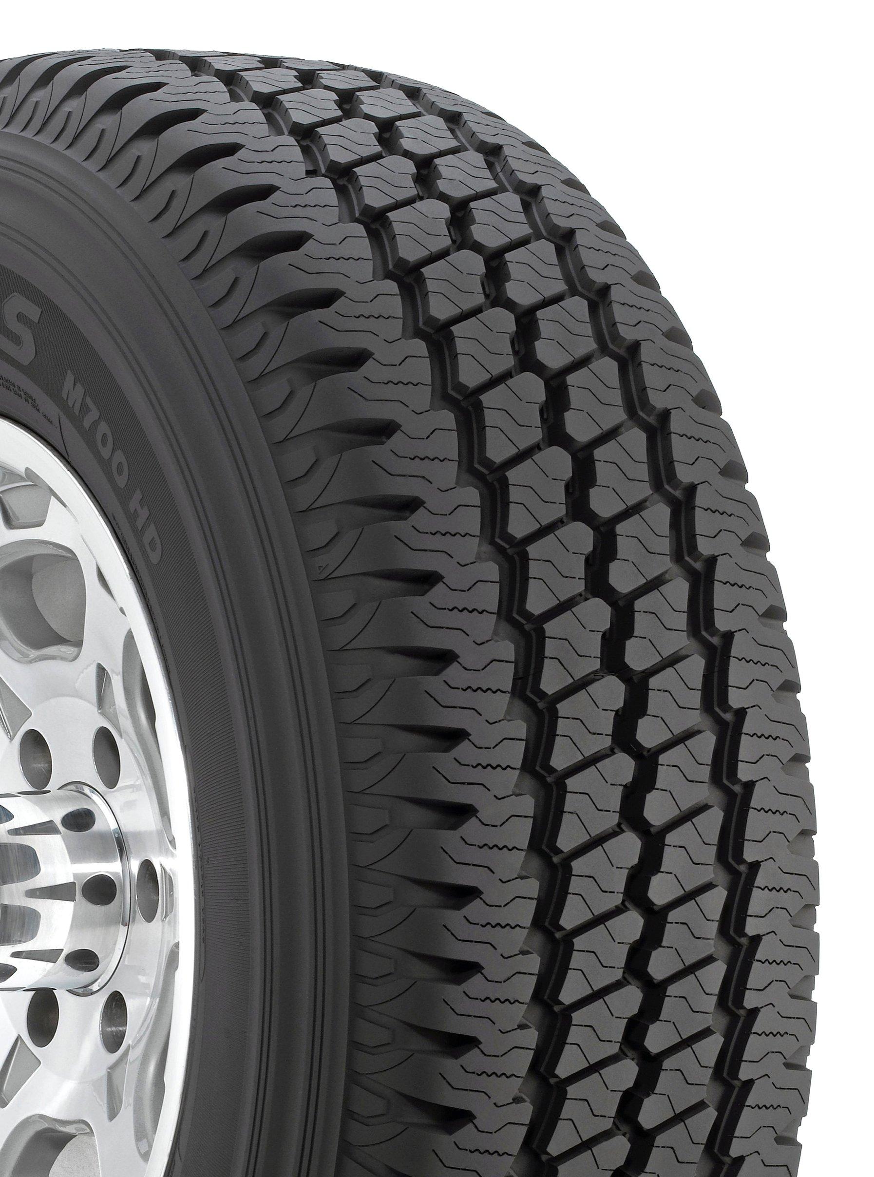 Bridgestone Duravis M700 HD Radial Tire - 265/75R16 123R by Bridgestone (Image #1)