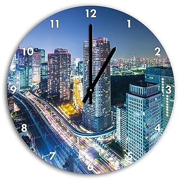 Moderne Architektur in der Innenstadt von Tokio, Wanduhr Durchmesser ...