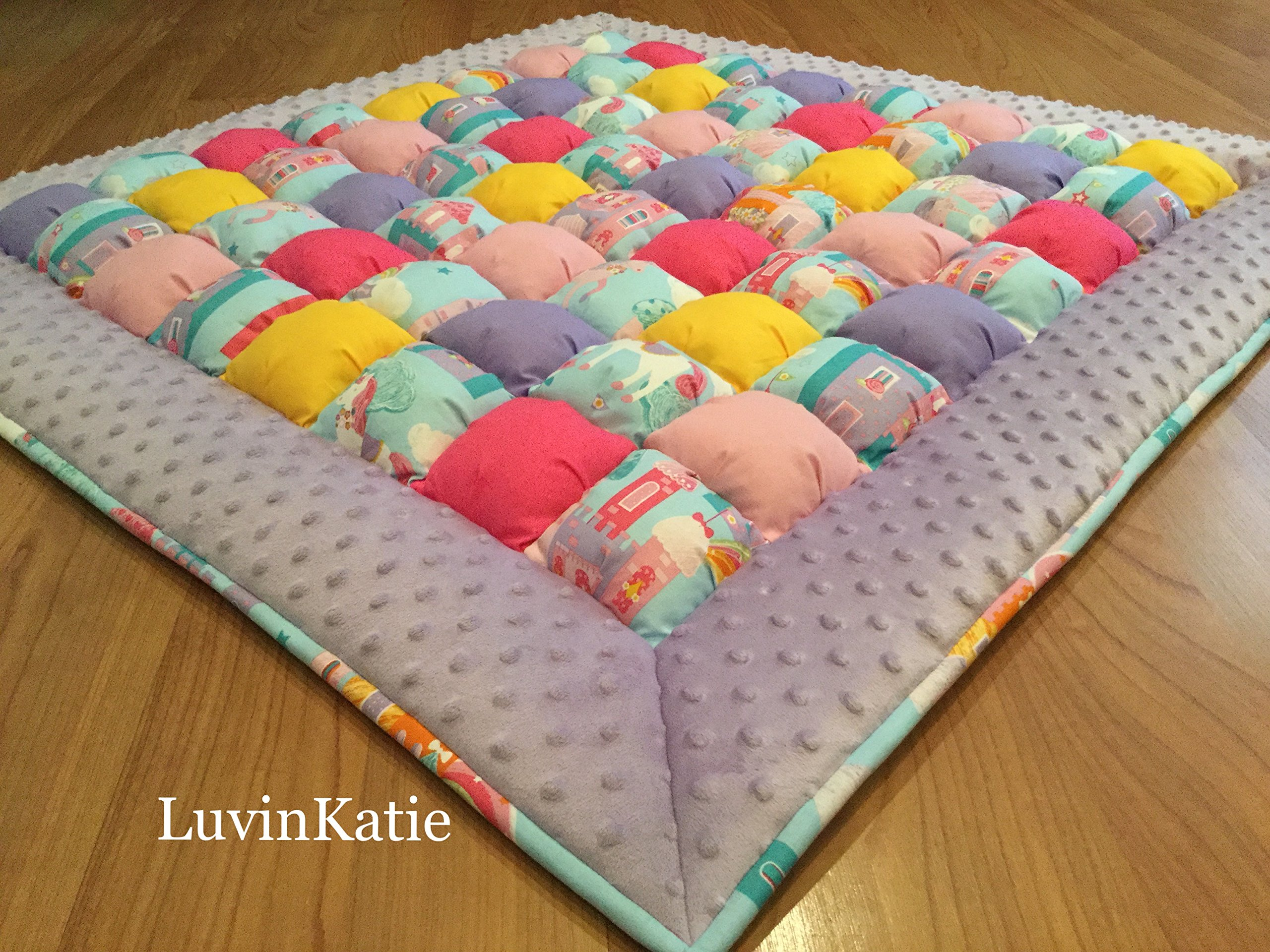 Bubble Puff Quilt for Floor Time - Castles and Unicorns