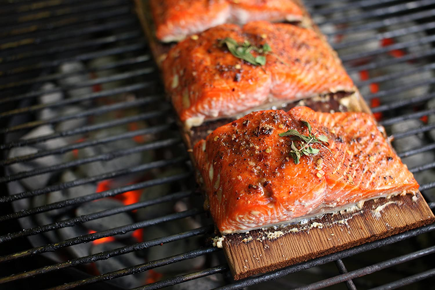 Where to buy cedar planks for grilling salmon for Grilling fish on cedar plank