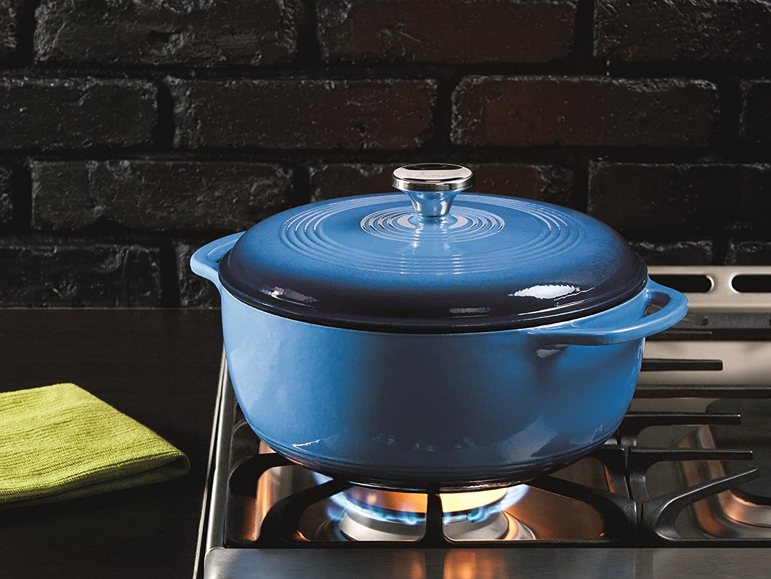 Amazon.com: Lodge EC6D33 Enameled Cast Iron Dutch Oven, 6-Quart ...