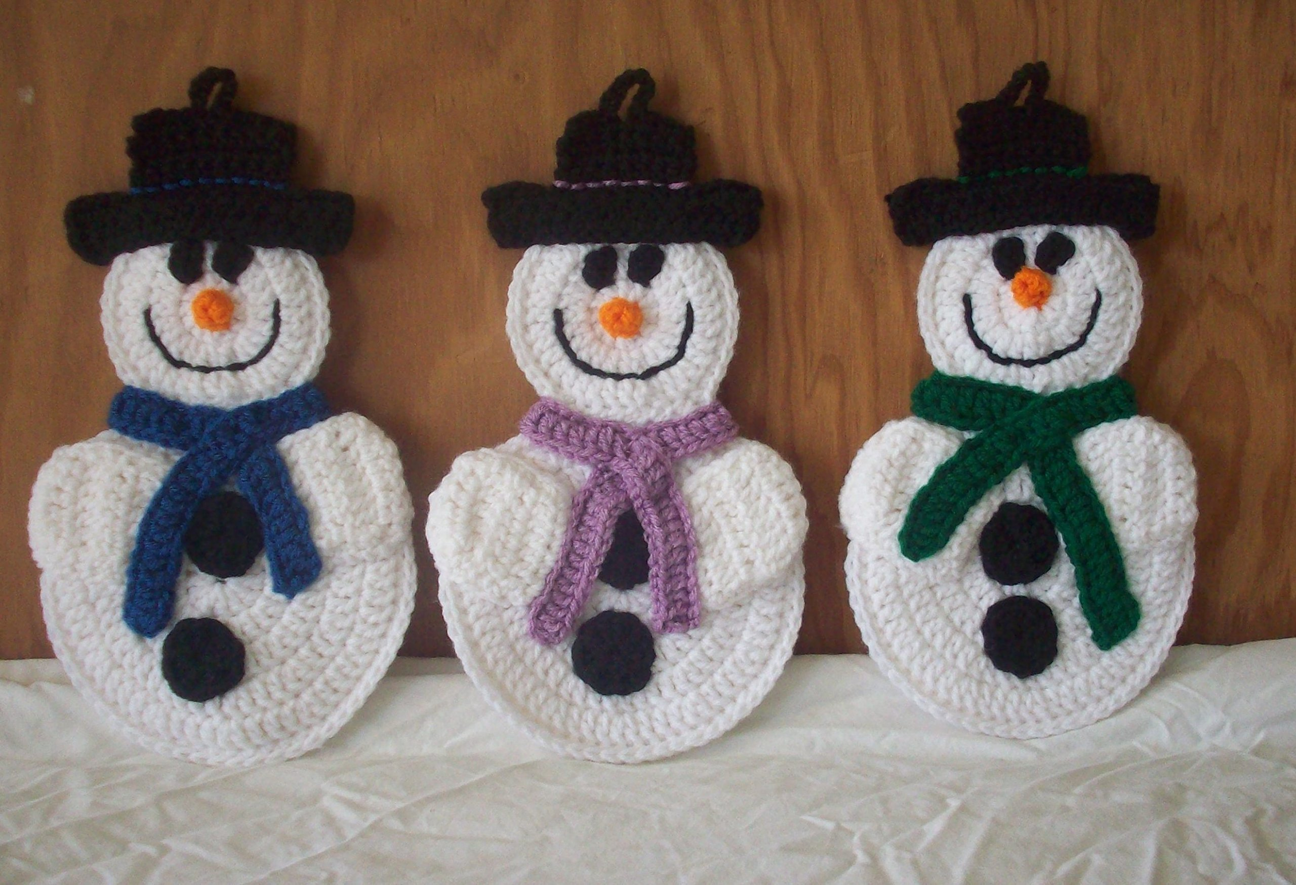 Crocheted Snowman Pot Holder / Hot Pad / Wall Decoration