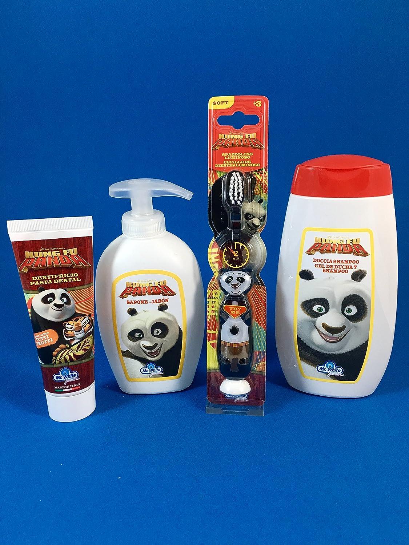 MR WHITE - Set igiene personale Kung Fu Panda con: Spazzolino luminoso, Dentifricio 75ml, Docciashampo 300ml e Sapone mani 300ml