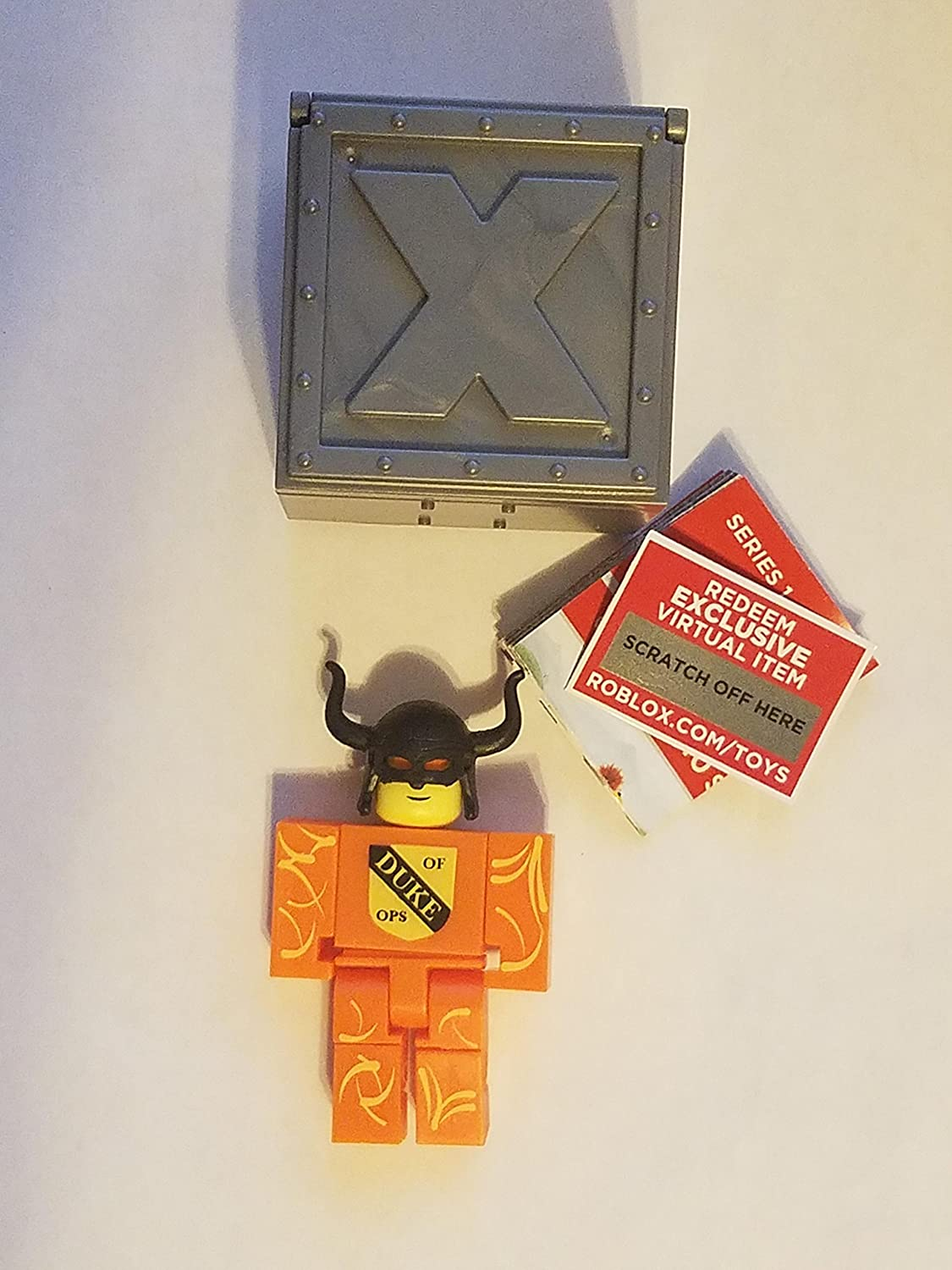 Amazon Com Roblox Series 1 Noob007 Action Figure Mystery Box
