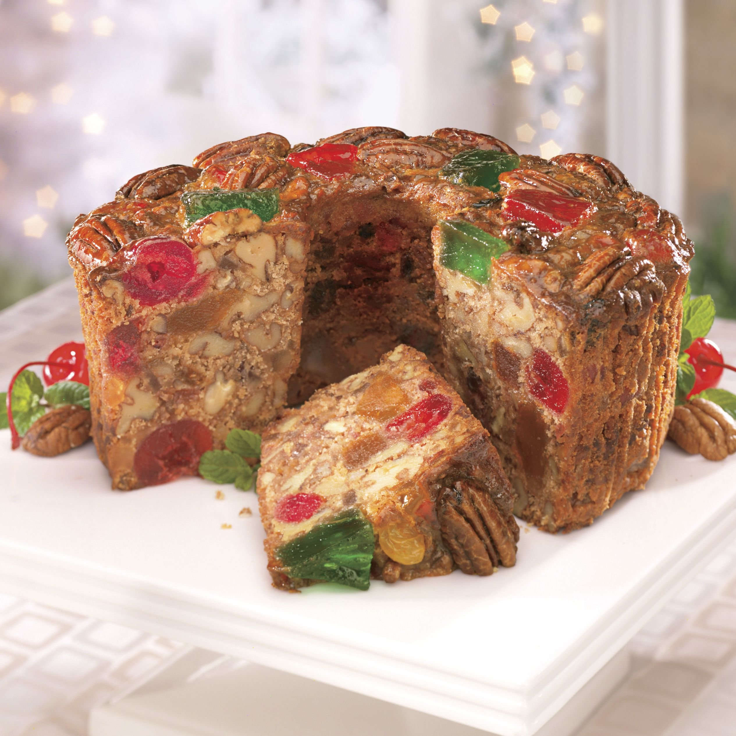 Fruit Cake: 3-lbs. Christmas Fruit Cake From The Swiss Colony: Amazon