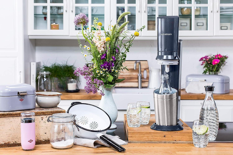 Wassersprudler-Test-SodaStream-in-Küche-Landhausstil