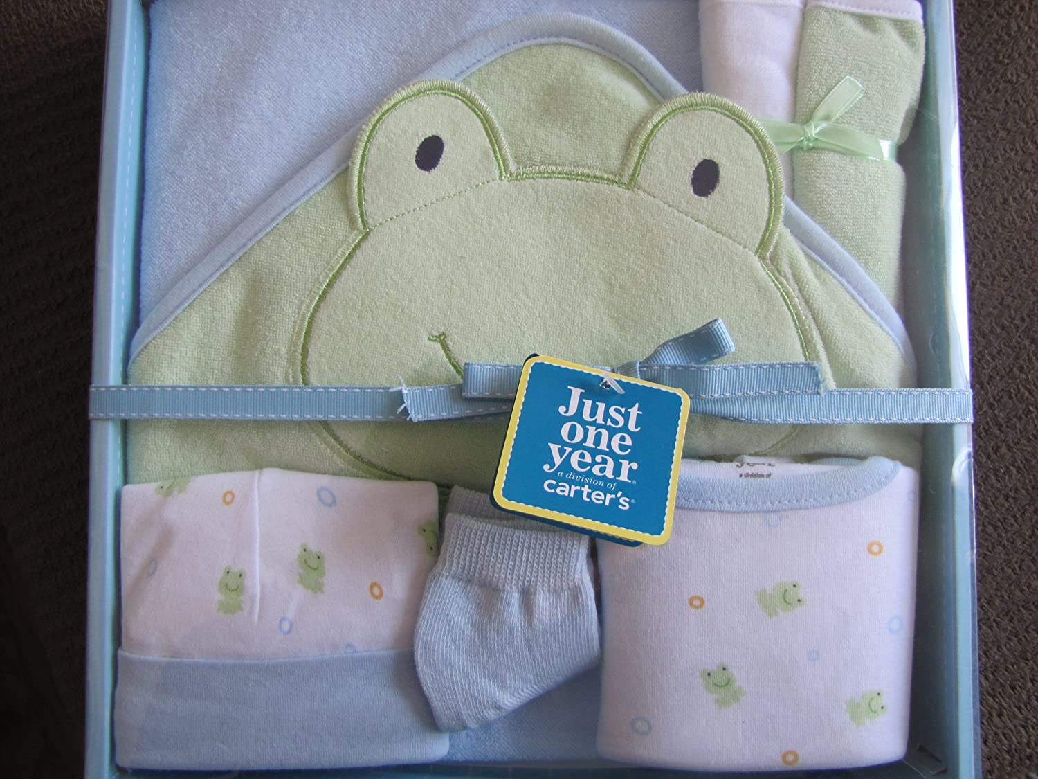 Amazon.com : Carters Just One Year 6 Piece Essentials Hooded Towel Gift Set : Hooded Baby Bath Towels : Baby