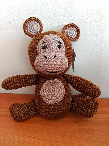 Peluche mono hecho a mano a ganchillo (amigurumi)
