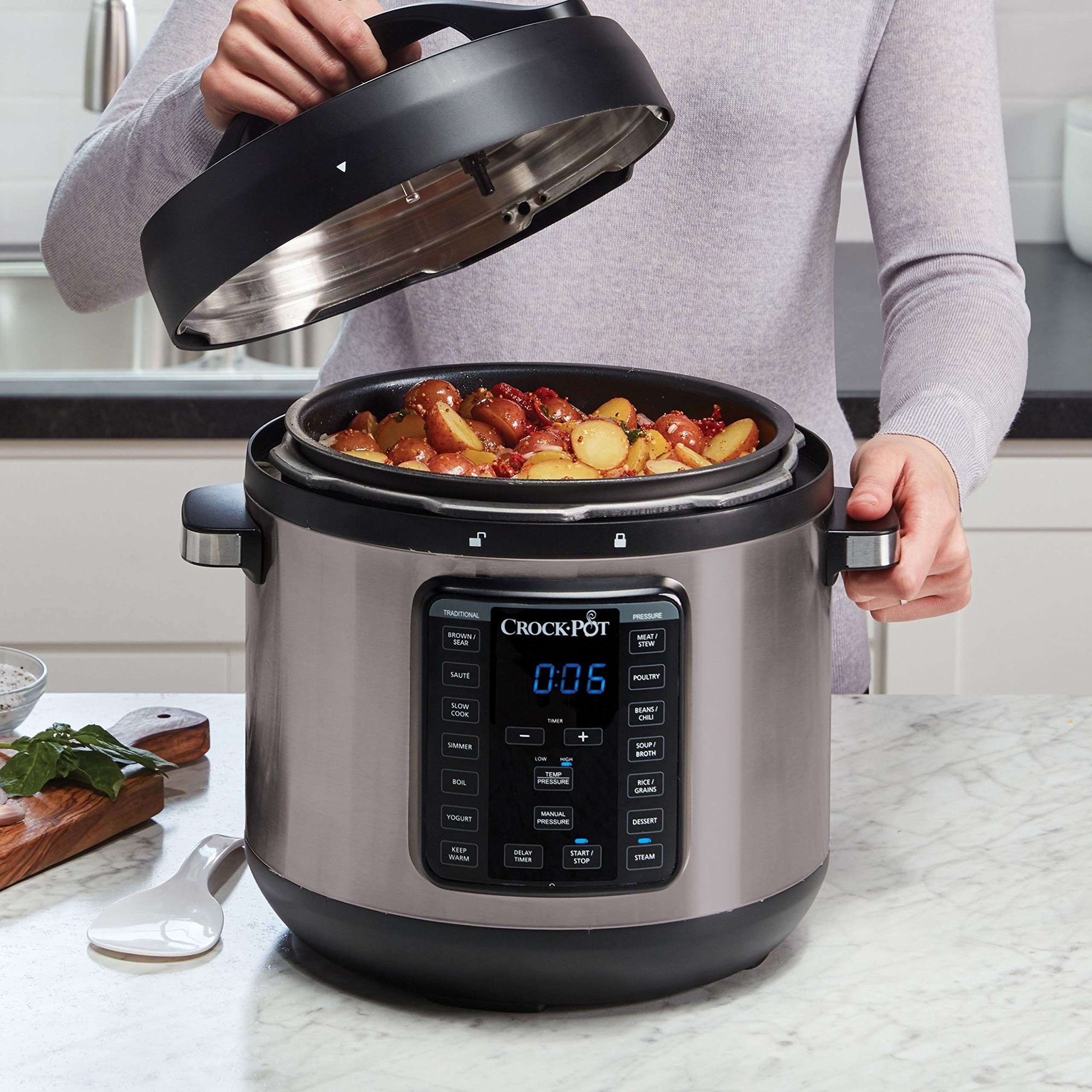 Crock-Pot 8-Quart Multi-Use XL Express Crock Programmable Slow Cooker and Pressure Cooker with Manual Pressure, Boil & Simmer, Black Stainless by Crock-Pot (Image #4)