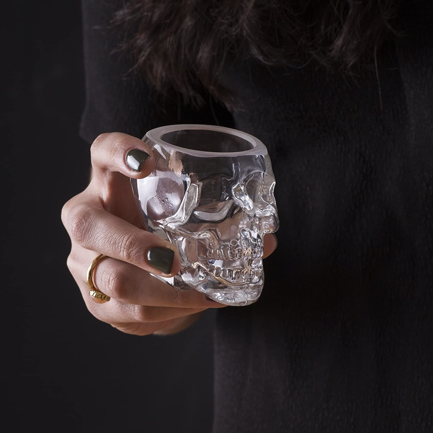 Scotch and Vodka Shot Glass Large Skull Face Decanter with Skull Shot Glasses Use Skull Head Cup For A Whiskey 25 Ounce Decanter 2 Ounces Shot Glass