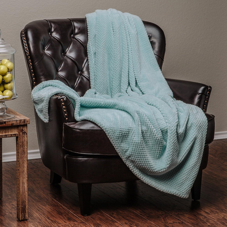 Round Popcorn Texture Turquoise Teal Aqua Blanket