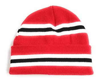3a4386900cb Manchester Utd Colours Red Black   White Stripe Retro Bar Beanie Hat - High  Quality Double Thickness Thermal Knit  Amazon.co.uk  Sports   Outdoors