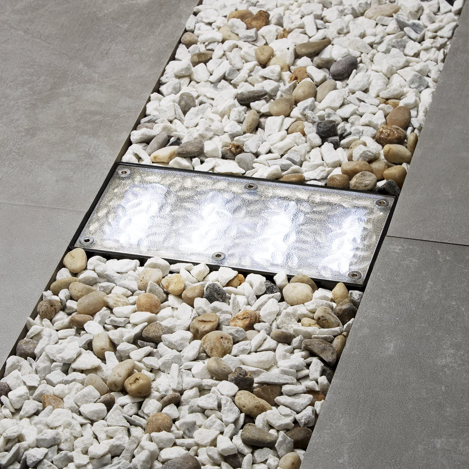 Solar 4 X 8 Recessed Paver Landscape Light With 12 Cool White Leds Amazon Co Uk Garden Outdoors