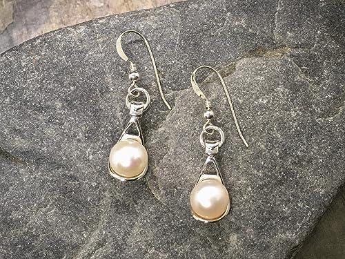 red pearl earrings,dangle pearl earrings,8mm pearl earring,wedding earrings,bridesmaids earrings,glass pearl earrings,earring