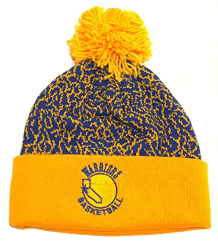 d5fdaf02 Amazon.com : NBA Officially Licensed Golden State Warriors Mitchell & Ness  Speckled Pattern Pom Cuffed Beanie Hat Lid : Sports & Outdoors