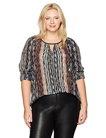 39ffd4c9ab0 NIC+ZOE Women s Plus Size Color Streaks Keyhole Top at Amazon Women s  Clothing store