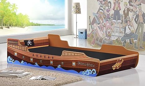 Camera Da Letto Nave Pirata : Una nave pirata realizzata con palletmobili con pallet mobili