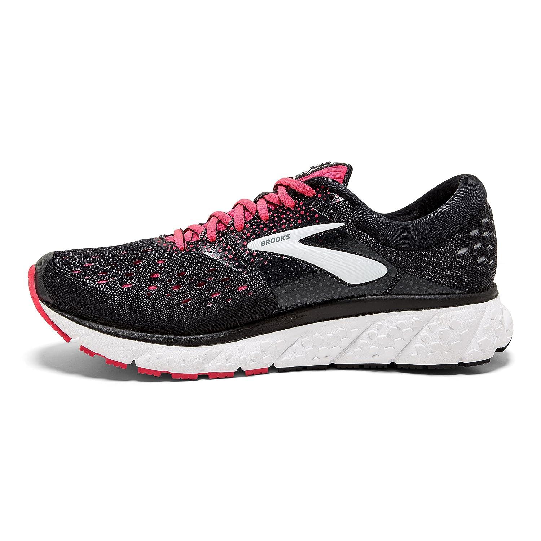 PLUSH FIT  plyš pocit vnitřního strečové boty obklopuje vaše noha a pohyby  a rozšiřuje se váš krok. nové 15e825f62f