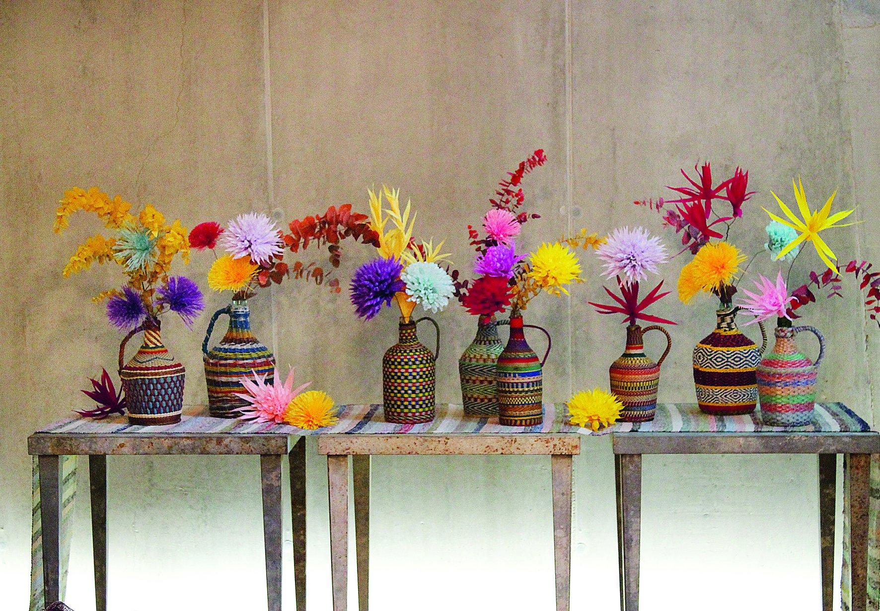 Modern Living Grandiflora by teNeues (Image #1)