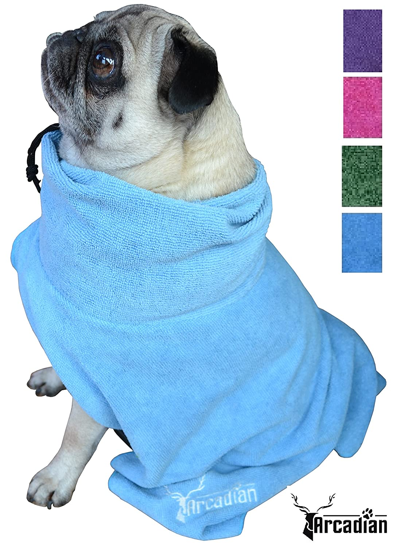 Robe pour chien de qualité premium en microfibres proposée par Arcadian. Ces robes luxueuses sont légères, rapide à sécher et très absorbantes. Facile à utiliser, confortable et fournie avec des brettelles réglables. Parfaite lorsqu'elle est utilisée avec