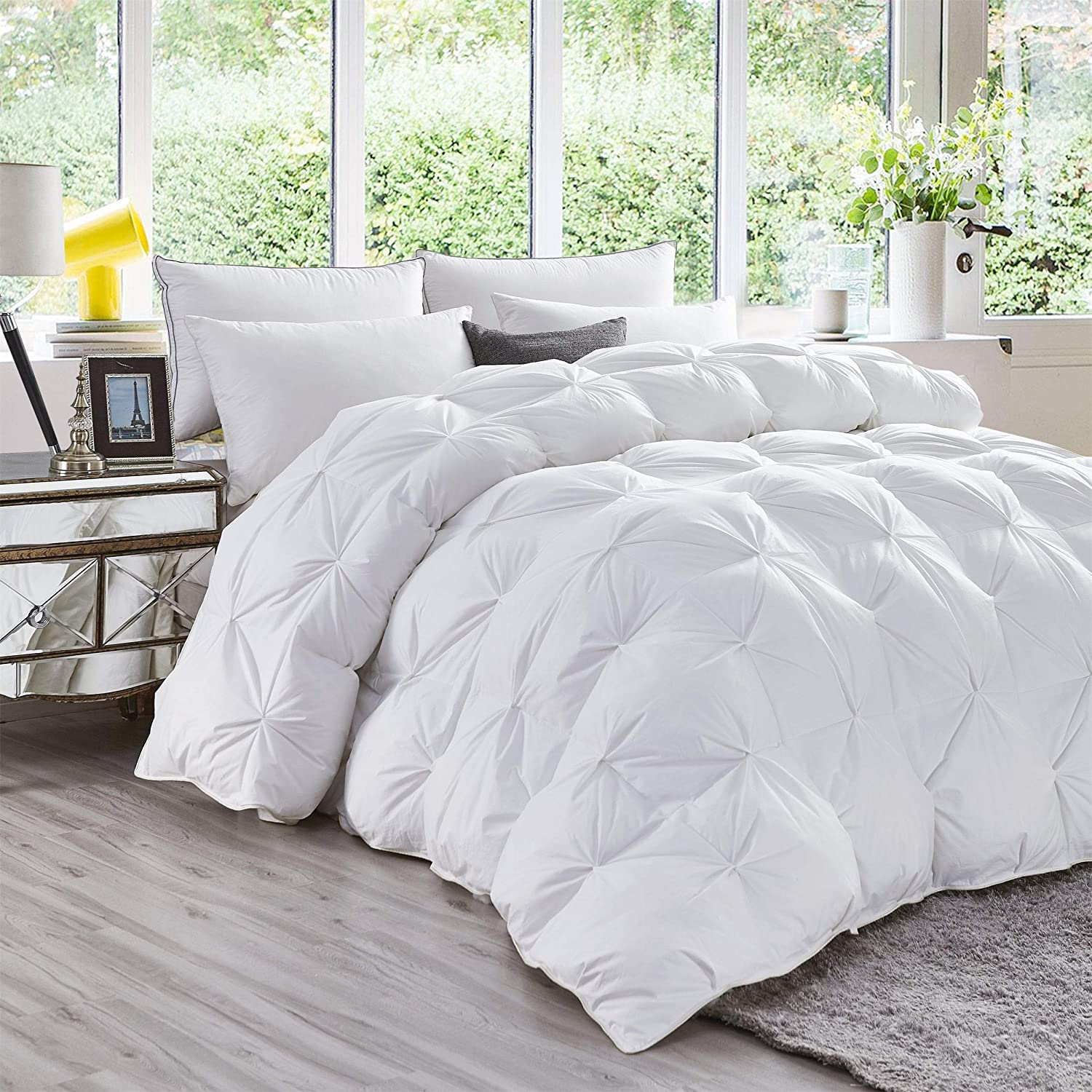 Luxurious All-Season Goose Down Comforter Queen Size Duvet Insert