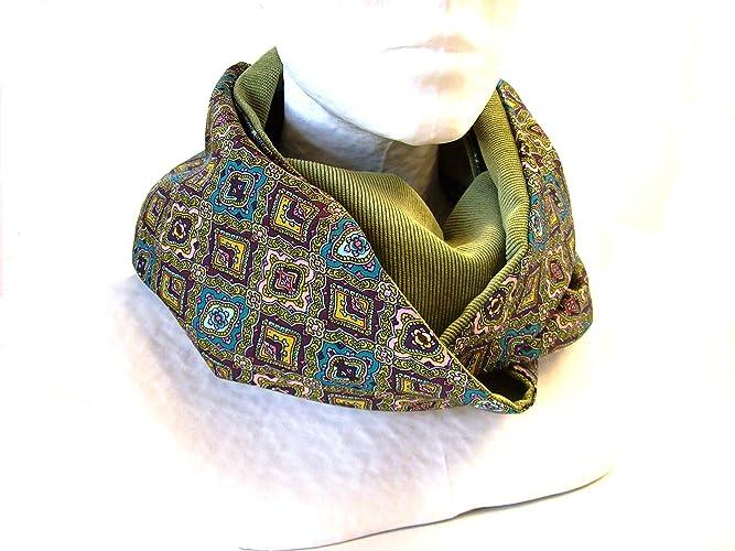 snood femme vert mousse a motifs vintage , echarpe infinie en velours et  satin imprimé graphique de94960e2c1