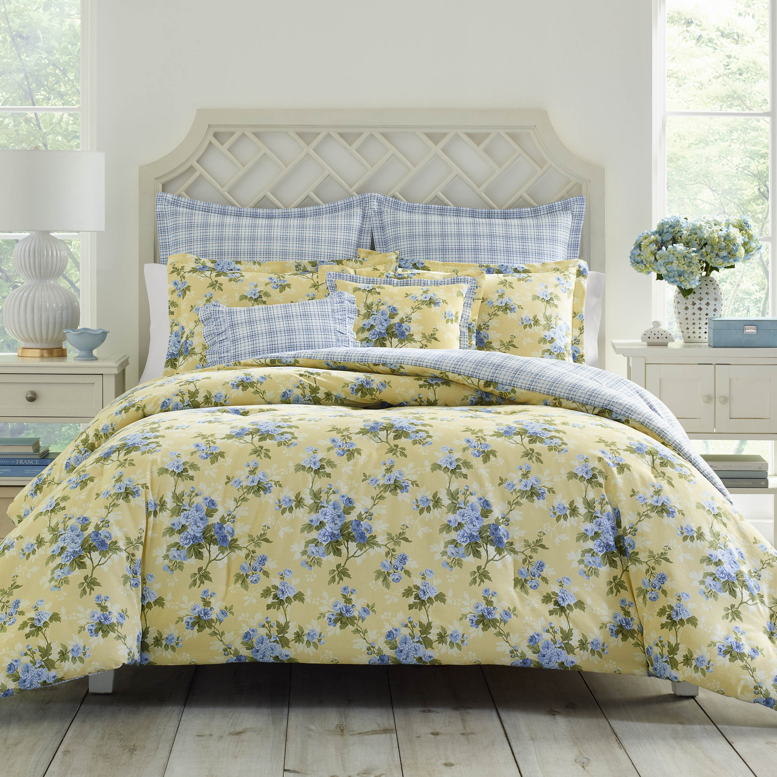 Laura Ashley Cassidy Comforter Set Full/Queen Pastel Yellow