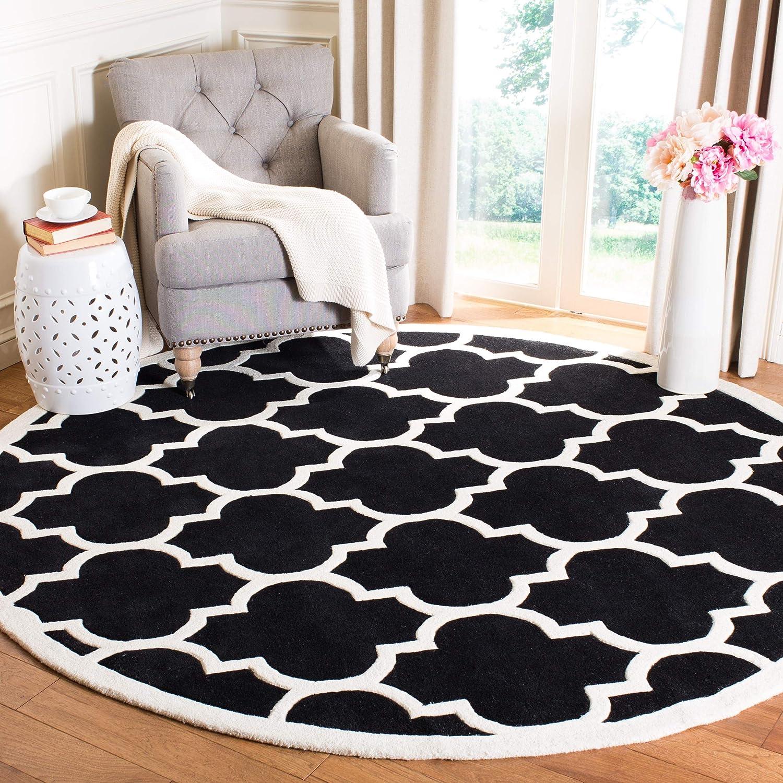 Amazon Com Safavieh Chatham Collection Cht733k Handmade Geometric Premium Wool Area Rug 7 X 7 Round Black Ivory Furniture Decor