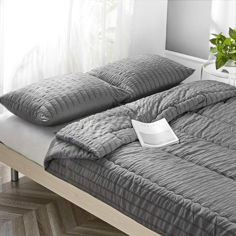 IKONICASA Seersucker Comforter Set 3 Piece Ultra Soft Down Alternative Comforter All Season Lightweight Microfiber Duvet Textured Bedding Set, Queen, Charcoal Gray