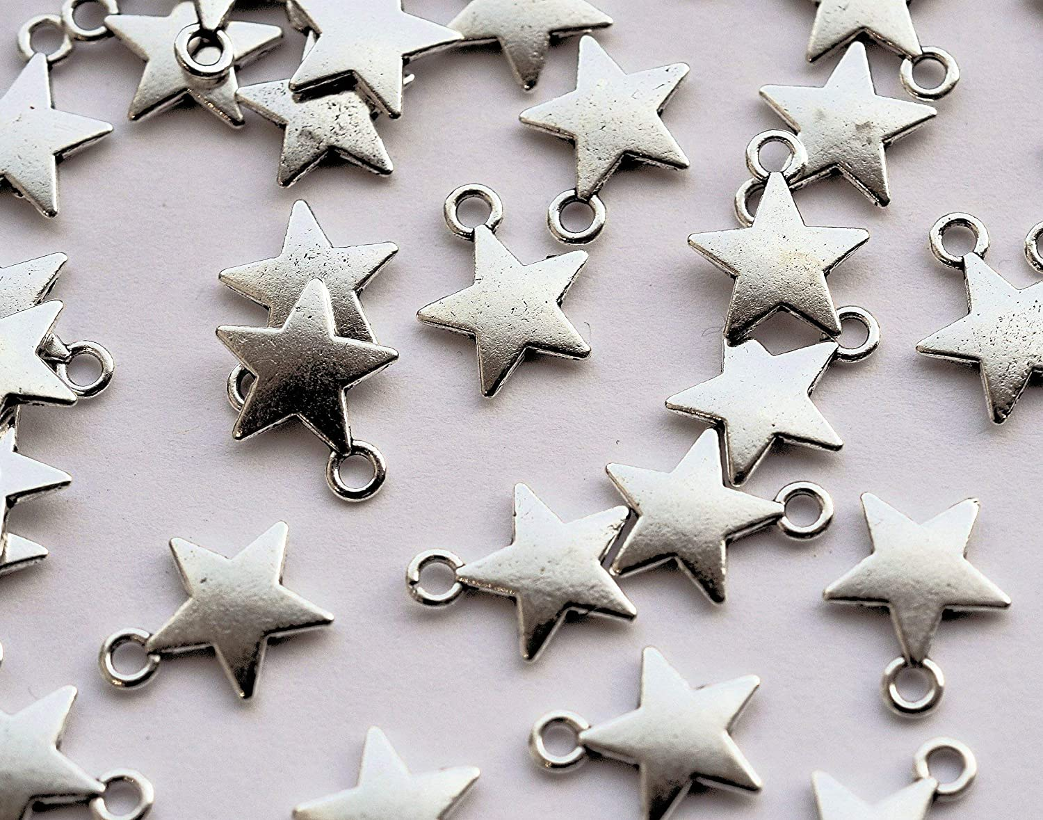 25 or 100 GOLD or SILVER PLATED STAR OUTLINE CRAFT CHARMS