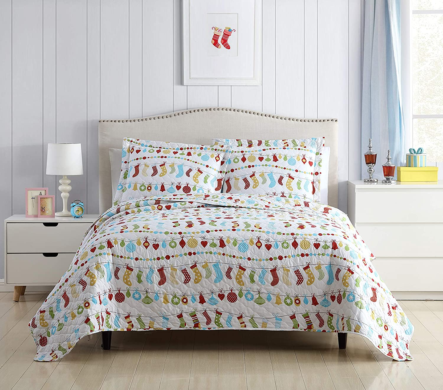 SL Spirit Linen Home EST. 1988 Holiday Collection Quilt Set - Ultra-Soft, Reversible Coverlet Bedding - Oversized Quilt with Matching Pillow Shams, Twin, Christmas