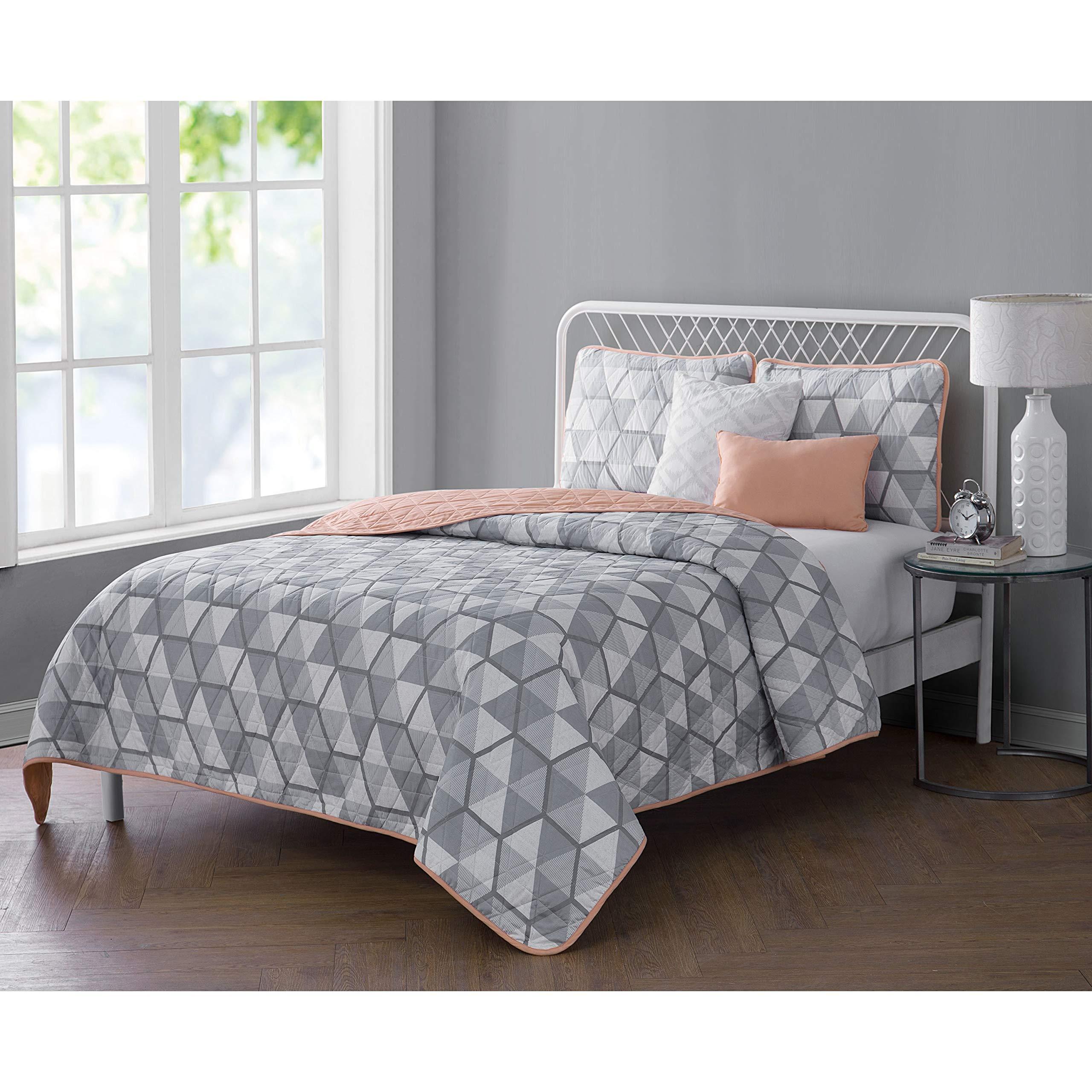 VCNY Home 5 Piece Reversible Bedding Quilt Set