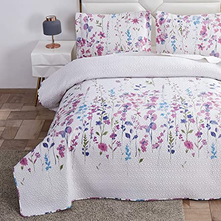 Summer Lightweight Thin Floral Quilts King Size Purple Blue Lilac Flowers Green Leaves Botanical Bedspread Coverlet Set Breathable Bed Cover With King Pillow Shams Random Patterns Amazon Ca Home Kitchen