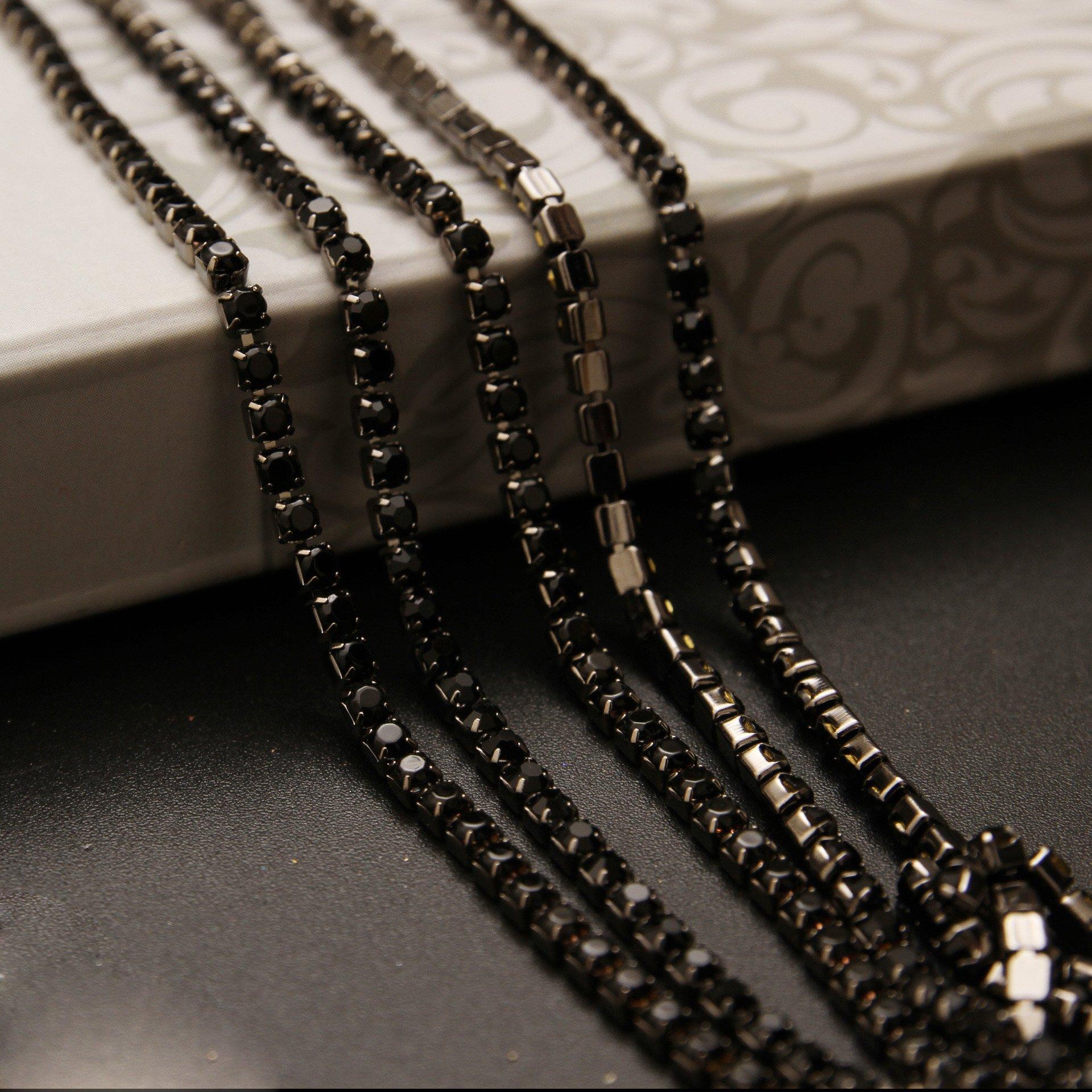 Silver Chain with Aquamarine Crystal Beads SS16//4.0mm KAOYOO 1 Roll 10 Yards Crystal Rhinestone Close Chain Trim