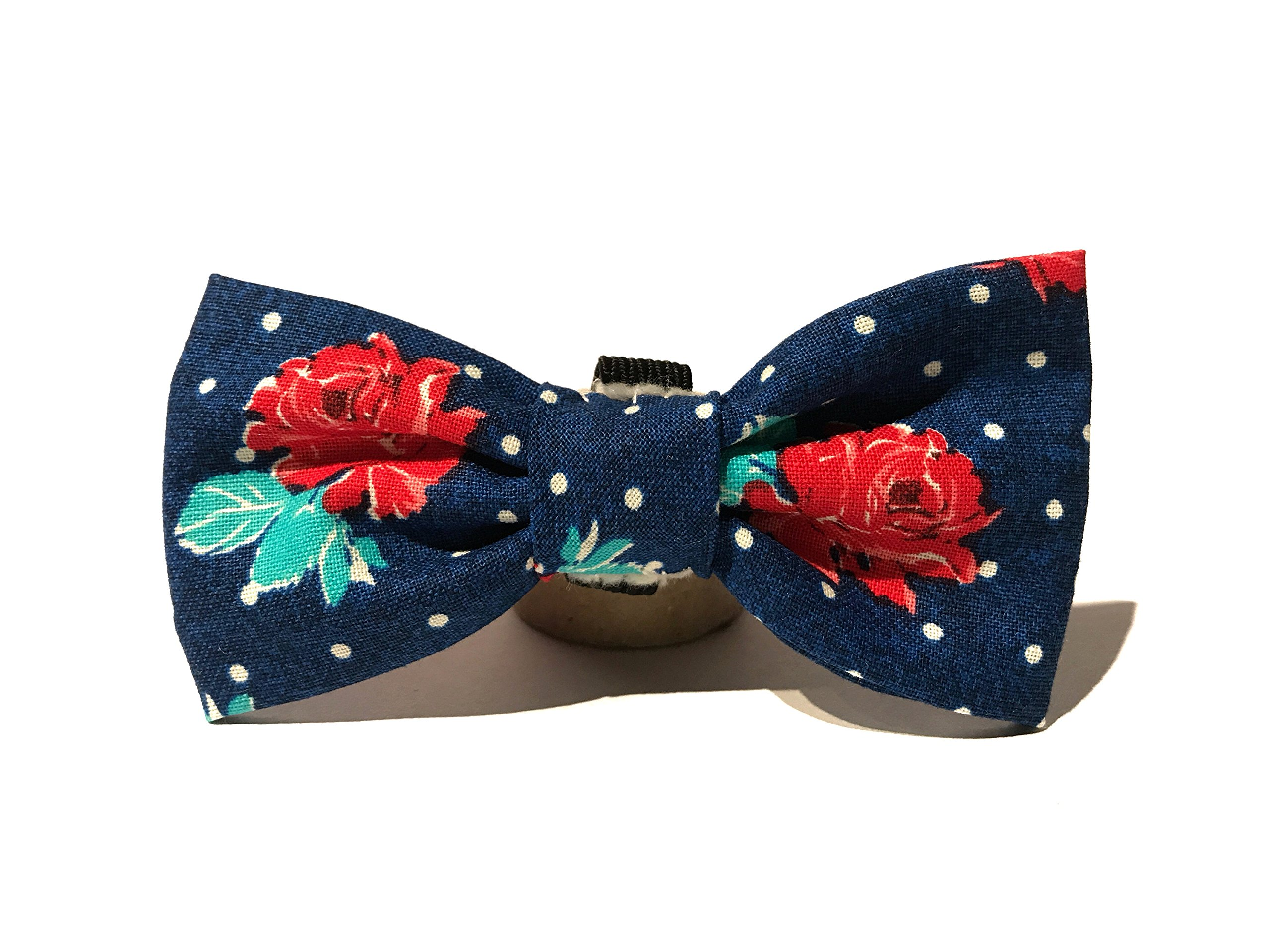 Very Vintage Design Dog Cat Collar Bow Tie Blue White Hipster Flower Hand Crafted Collection Organic Cotton Personalized Adjustable Pet Bowtie