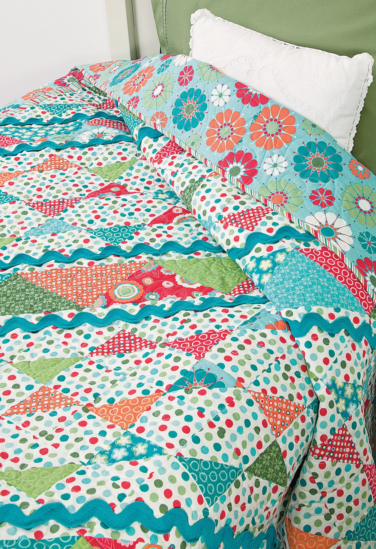 Easy Quilts for Beginners and Beyond: 14 Quilt Patterns from Quiltmaker Magazine by That Patchwork Place (Image #23)