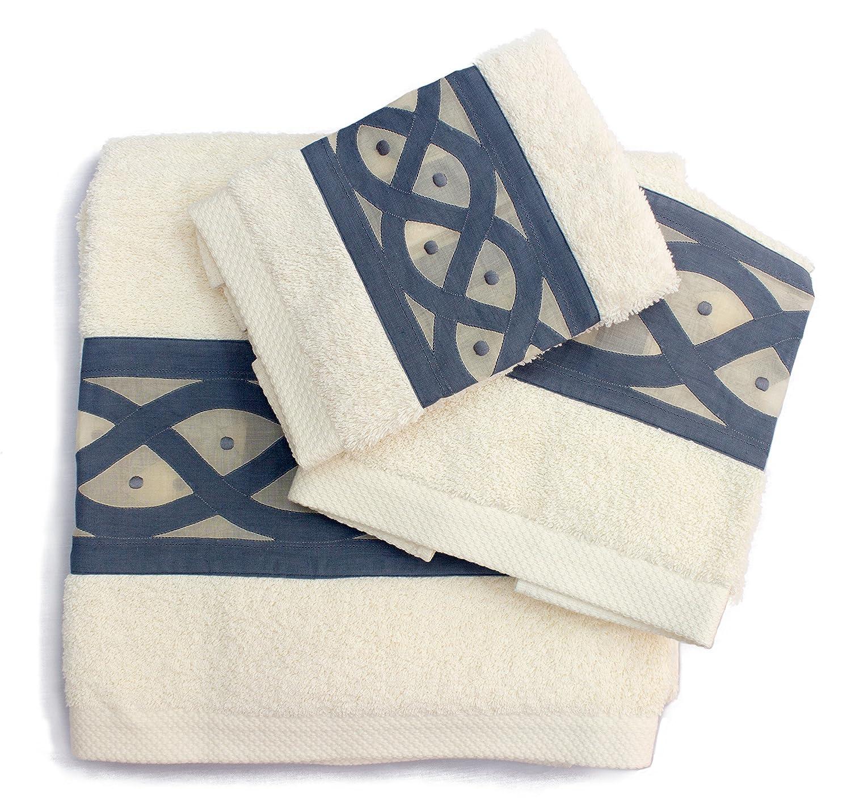 Serviette de bain en coton turc avec broderie de Madère fait à la main