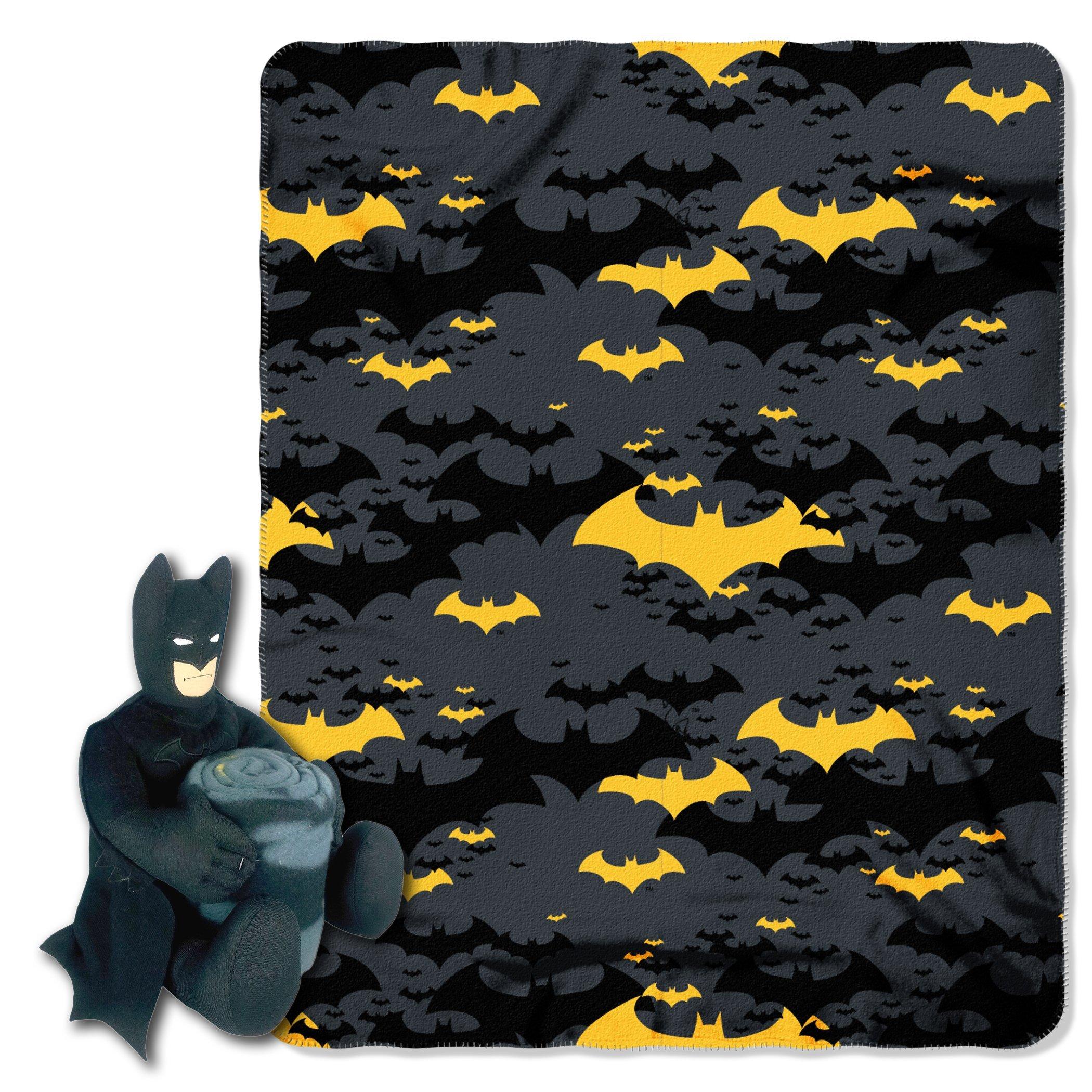 DC Comics Batman, ''Black Knight'' Hugger and Fleece Throw Blanket Set, 40'' x 50'', Multi Color
