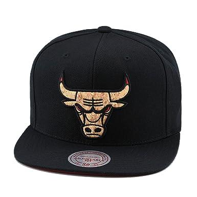 616055bb902 Mitchell   Ness Chicago Bulls Snapback Hat Cap Black CORK Material ...