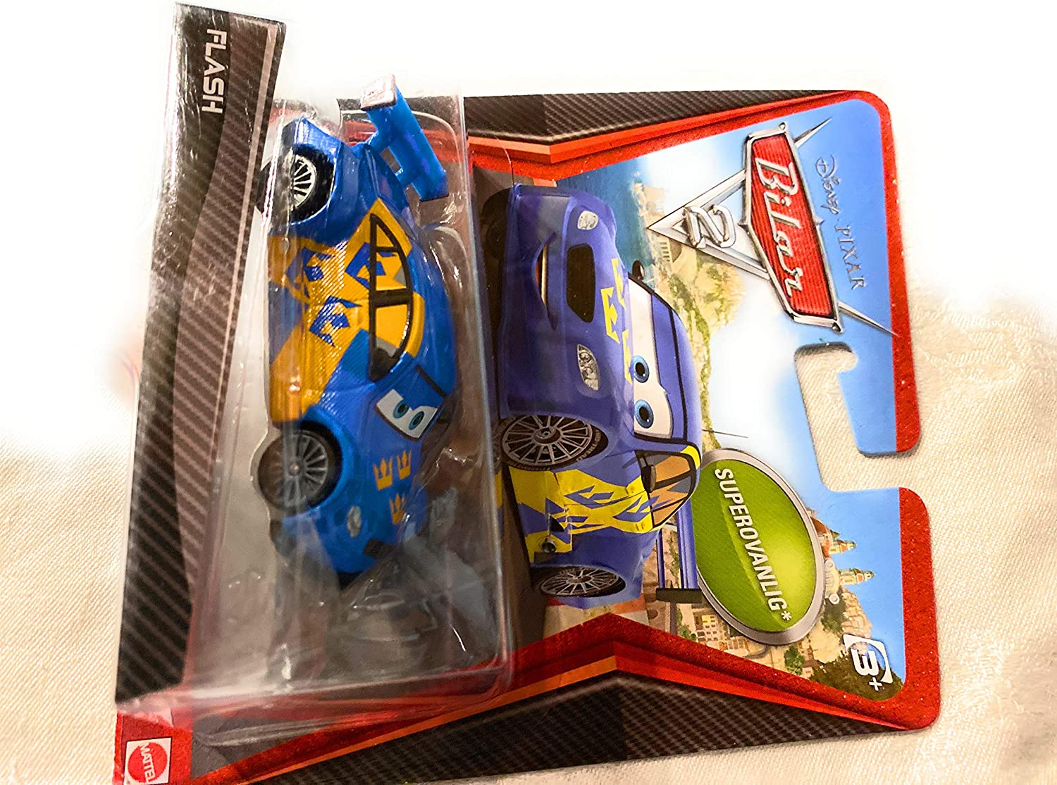 Amazon Com Flash Disney Pixar Cars 2 Movie 155 Die Cast Car Swedish Racer Nilsson Super Chase Toys Games