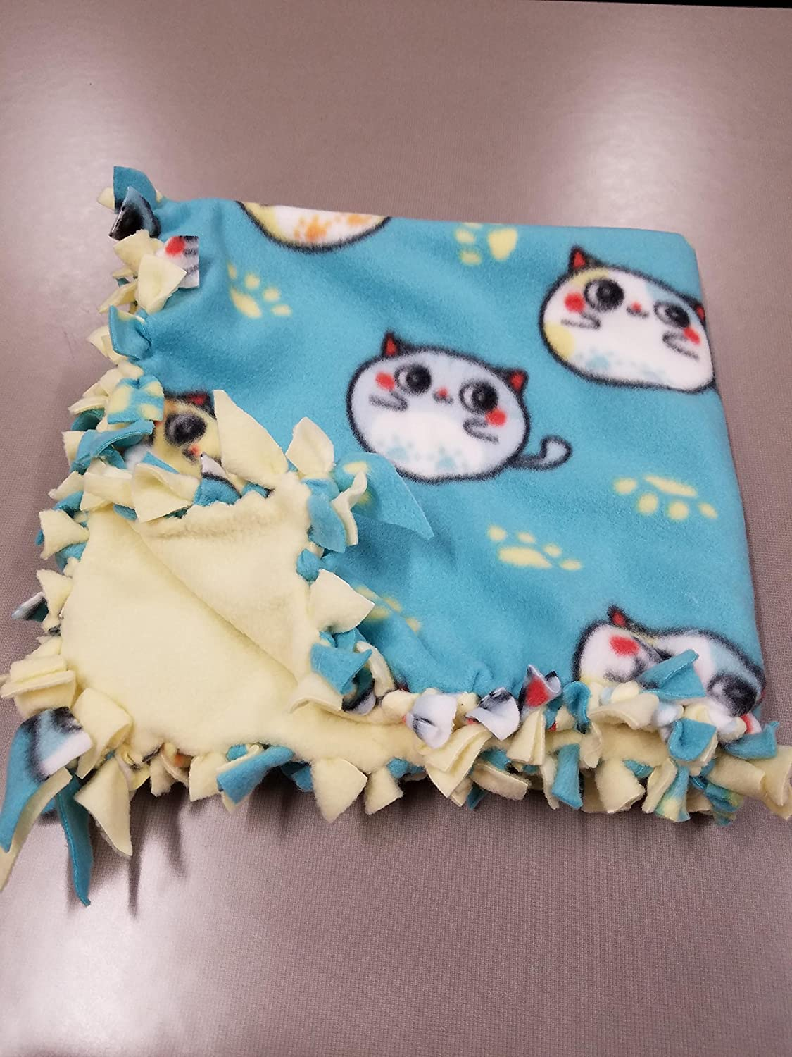 Small Hand-Tied Fleece Pet Blanket (bubble cats)