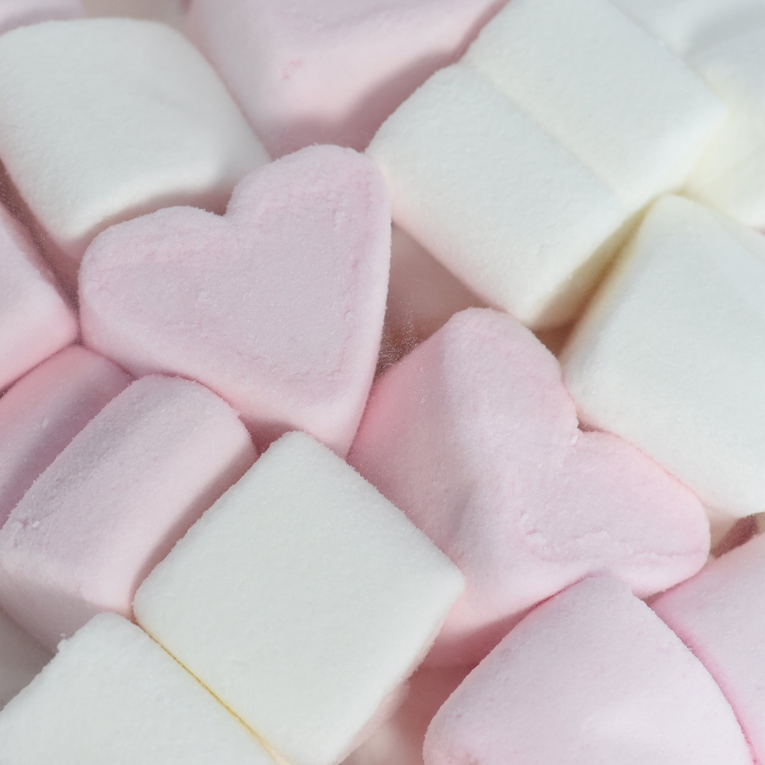1 kg WeddingTree Marshmallow Hearts - Soft Candy for Wedding Party Valentine's Day Mother's Day - Best Foam Sugar Quality - Pink and White - Fat-Free