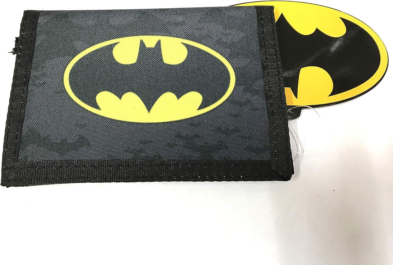 Batman Black /& Grey Vinyl Trifold Kids Wallet *New*