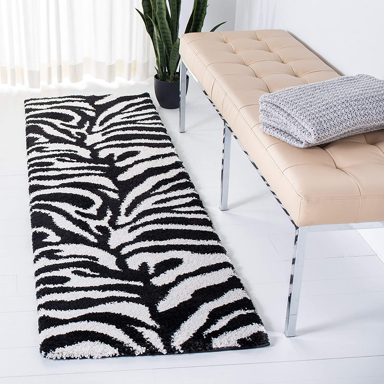 Amazon Com Safavieh Florida Shag Collection Sg452 Zebra Print 1 2 Inch Thick Runner 2 3 X 11 Ivory Black Furniture Decor