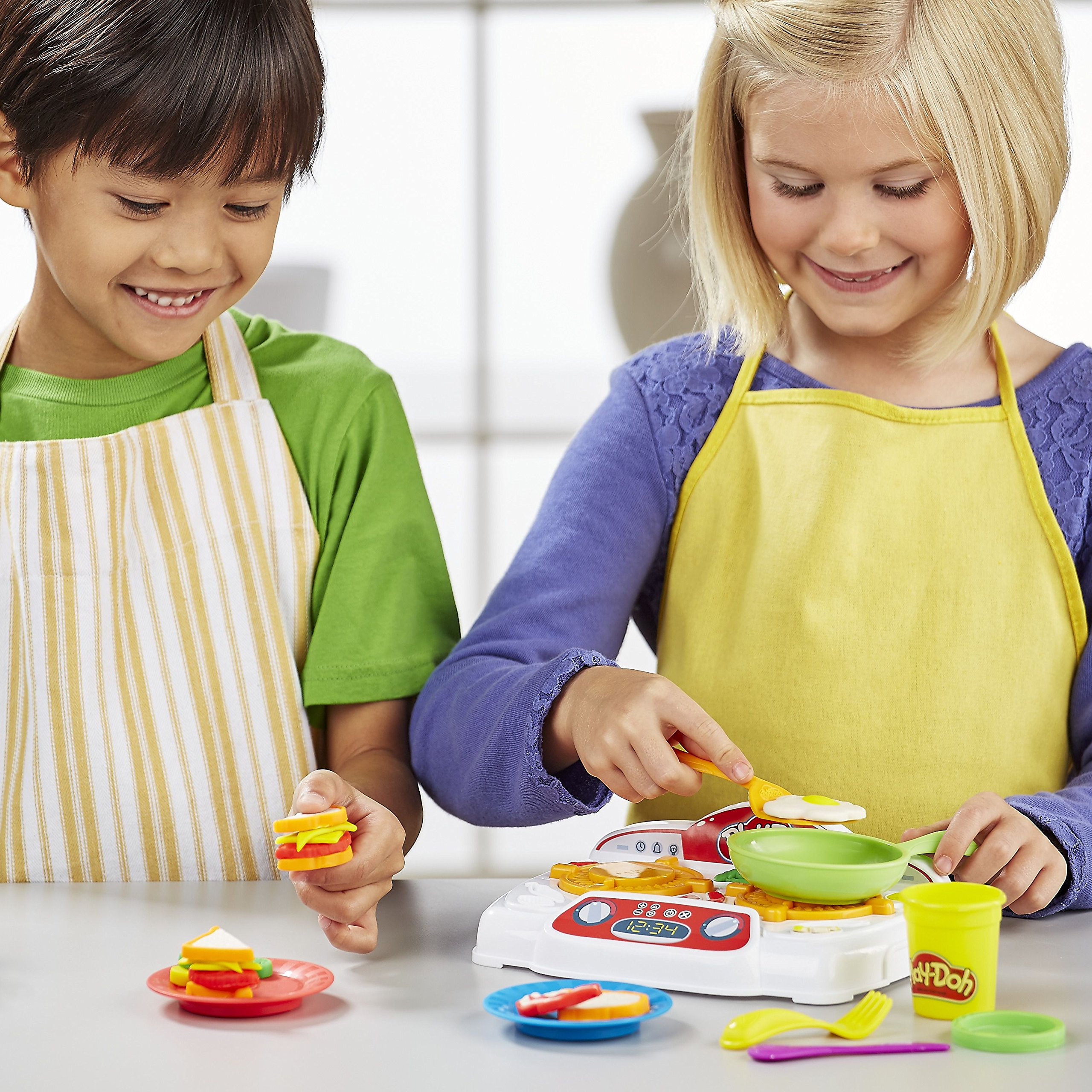Play-Doh - B9014 - Kitchen Creations Sizzling Stovetop by Play-Doh (Image #5)